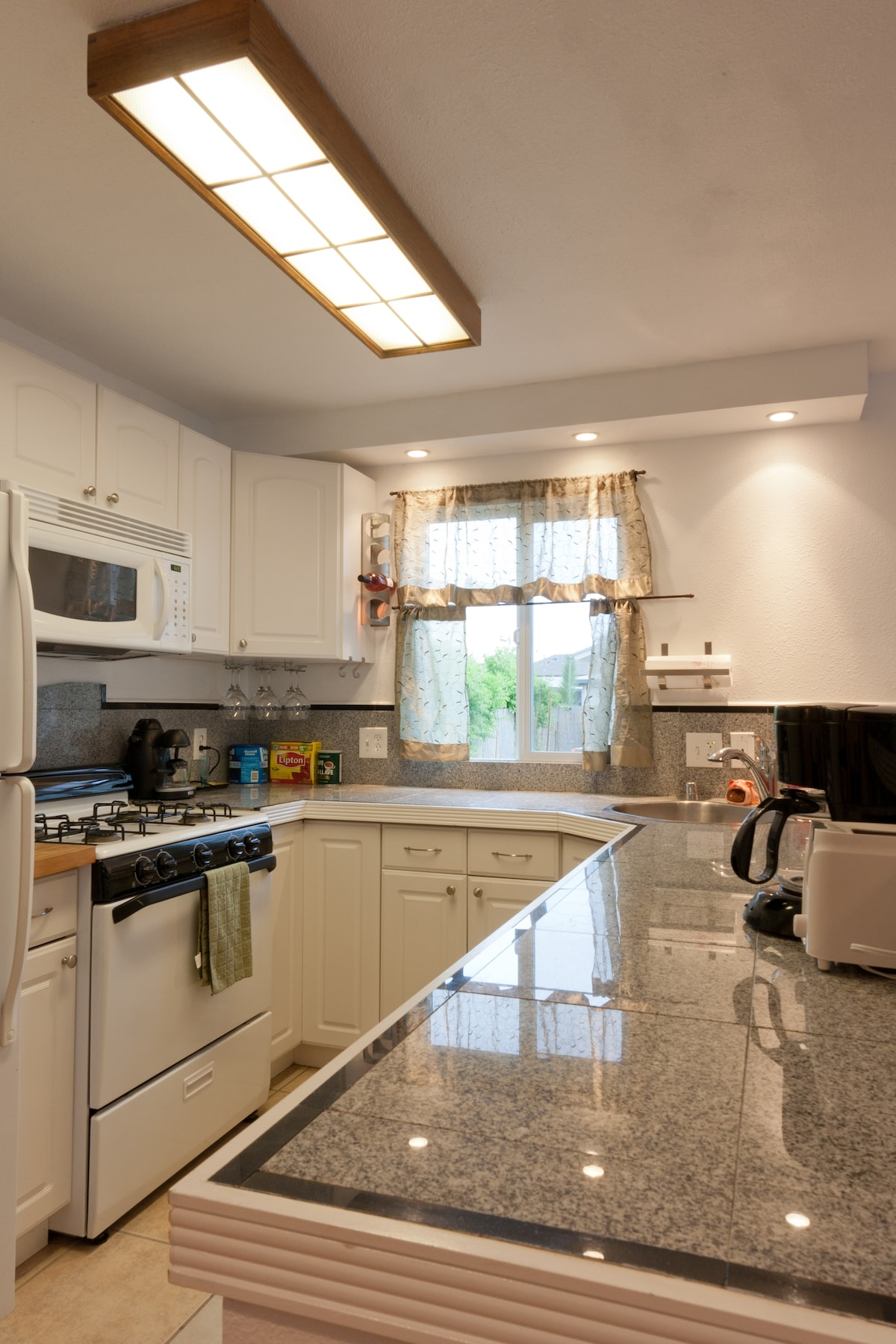 Kitchen (much wider then it looks in the skewed photo)