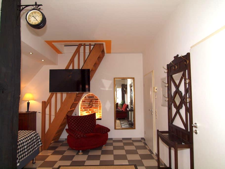 Amazing and Historical Apartment #2 - Sendenhorst - Apartment