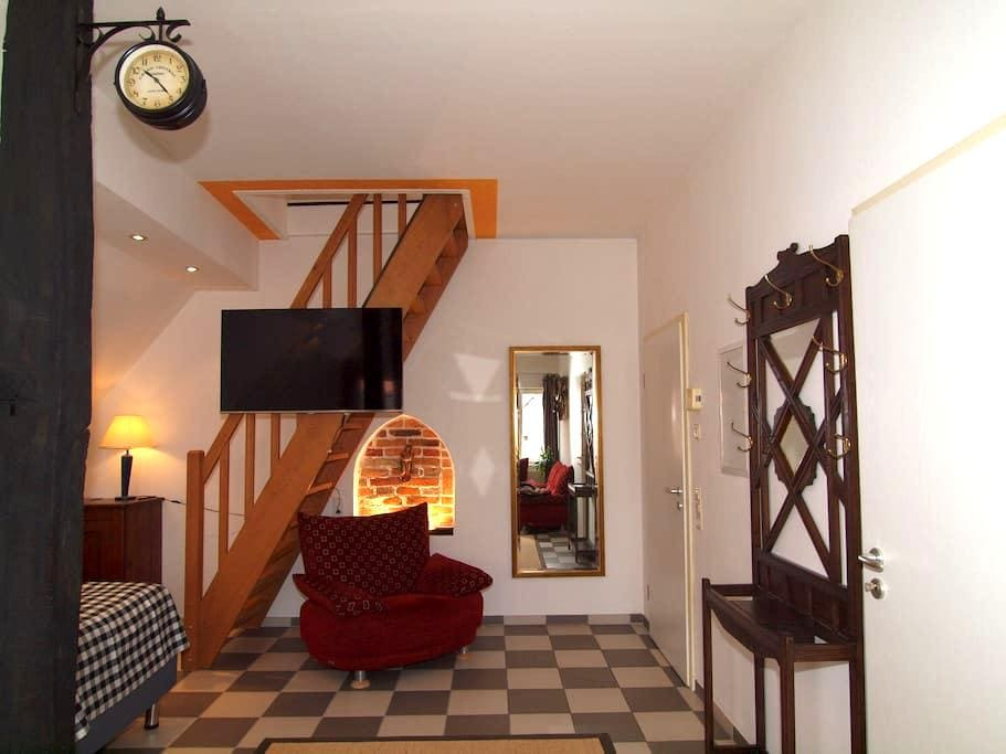 Amazing and Historical Apartment #2 - Sendenhorst - Huoneisto