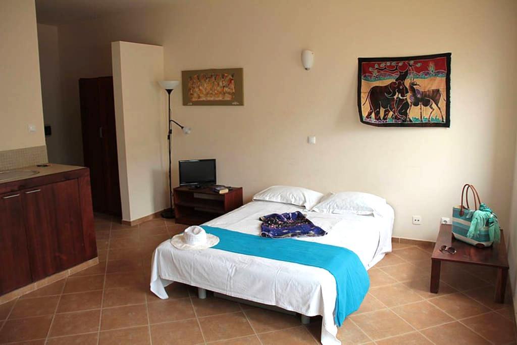 Cosy studio in praia Estoril area!! - Boa Vista - Apartamento