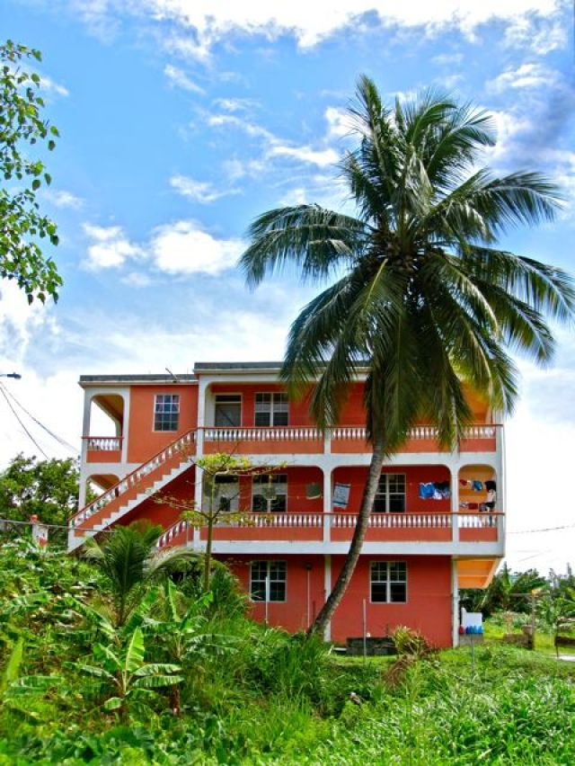 Large  3 BD Apt near the Sea 2