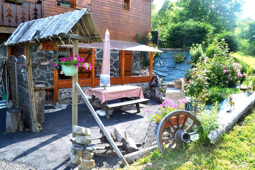 appartement, gîte dans chalet - Murat-le-Quaire