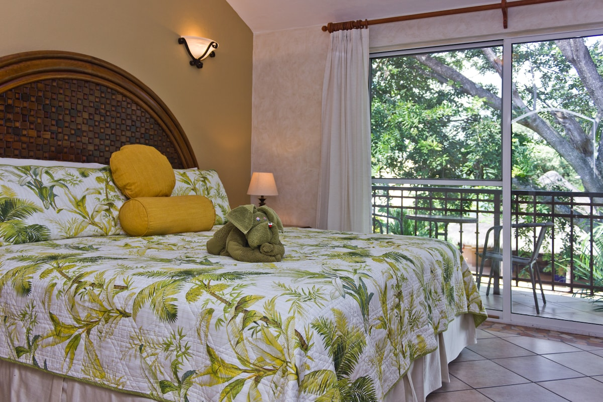 Villa for 6 pax! Price and Location