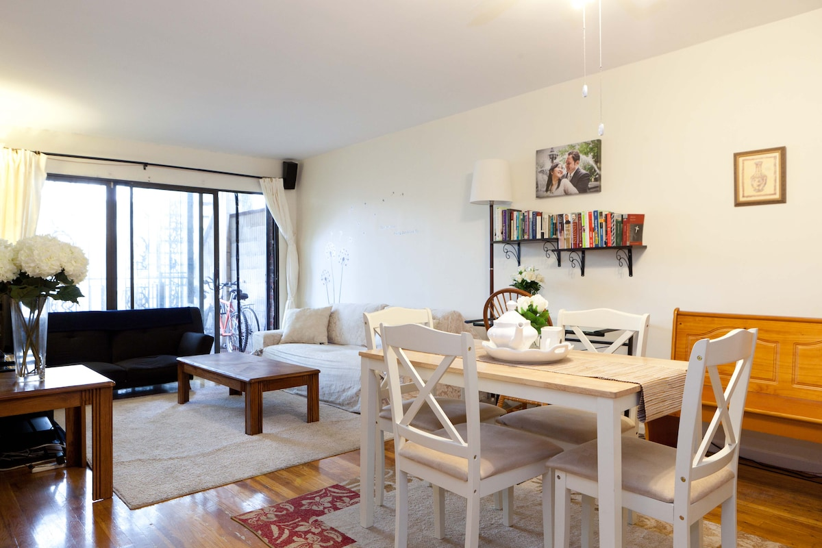 Private Bath LGA Mets Times Sq 7 Tr