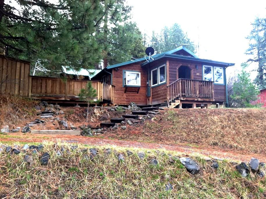 Awesome Cabin Near Crater Lake! - Chiloquin - Dům