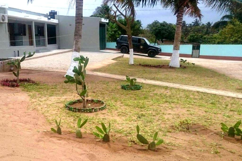 Casa  palmeira - air conditioned/personal cook - Maxixe