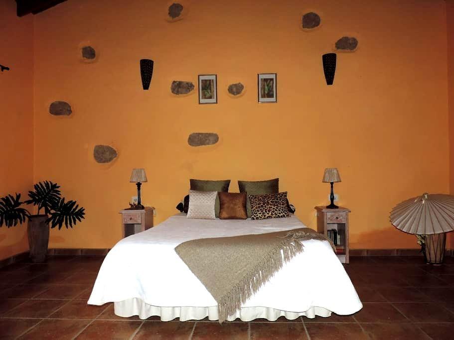 Chambre chez l'habitant a El  Roque - Papaya Suite - San miguel de Abona - Hus
