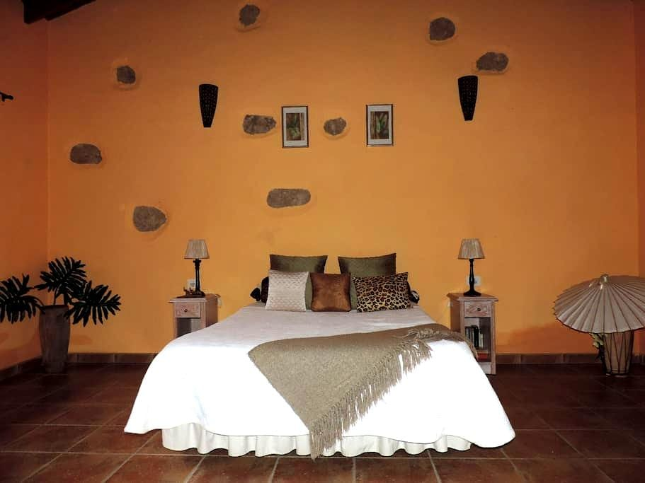 Chambre chez l'habitant a El  Roque - Papaya Suite - San miguel de Abona - Haus
