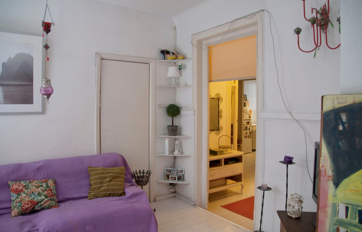 Charming Balcony Flat In Gotico