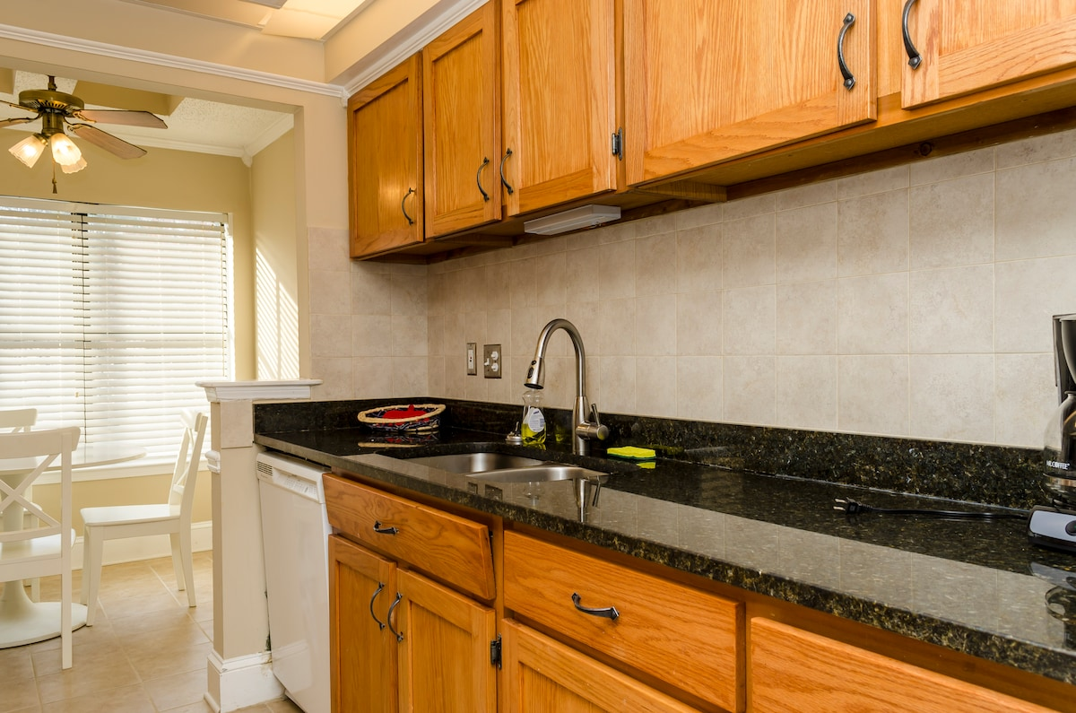 Gourmet Kitchen, great for cooking