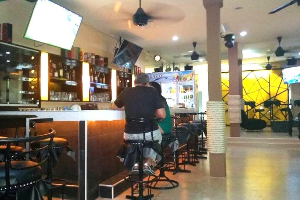 Mods and Rockers Bar Soi 7 Pattaya. - Pattaya - Bed & Breakfast