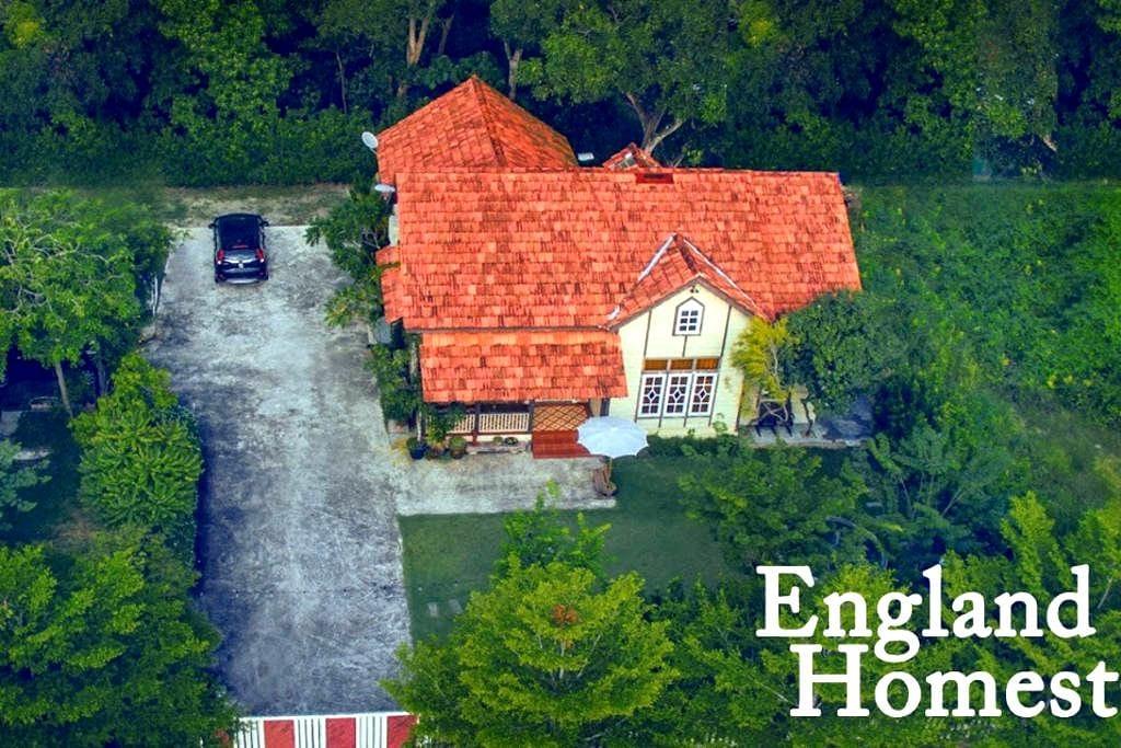 HomeStay England - Nibong Tebal - House