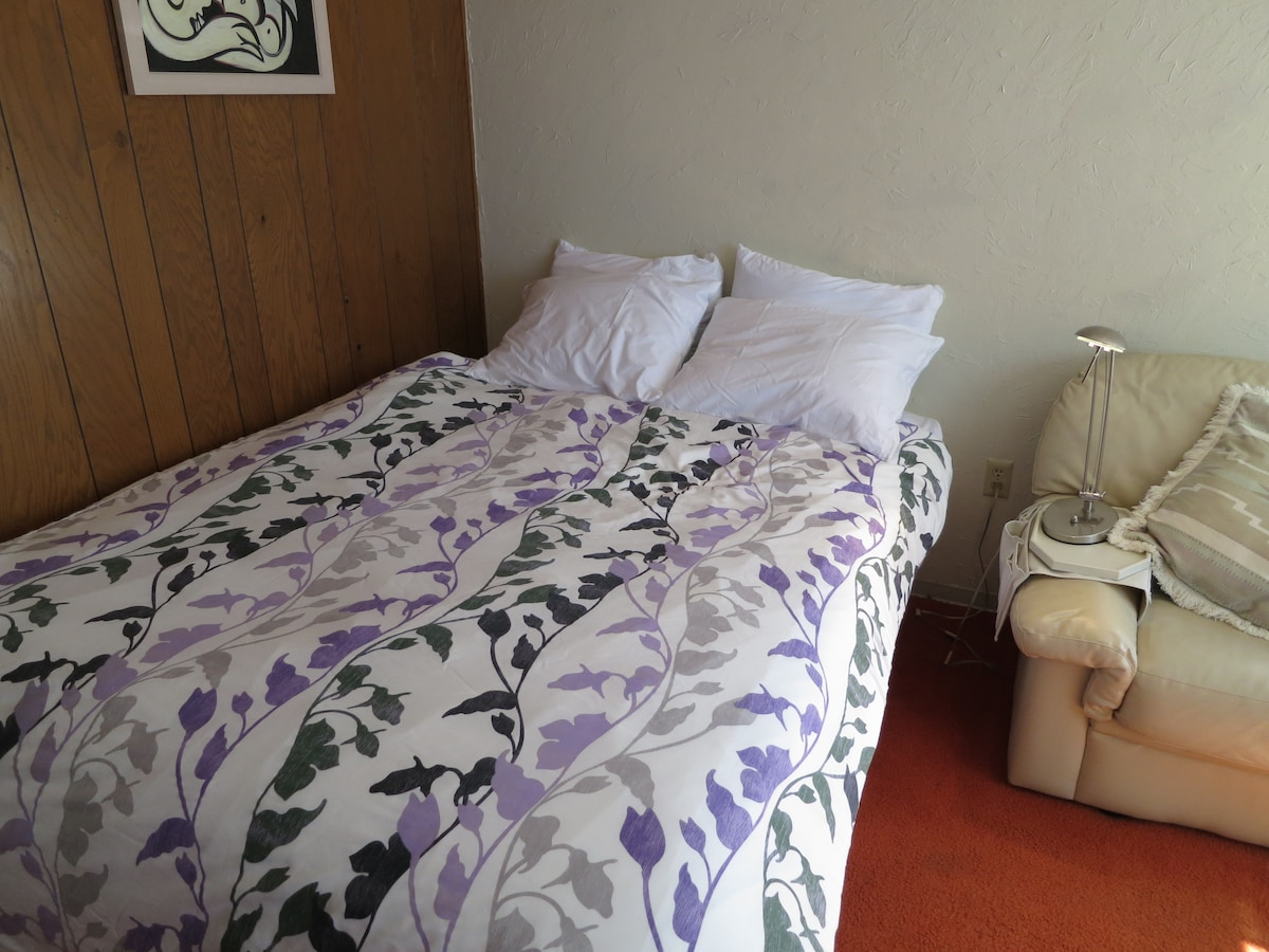 New queen size bed to make all our guests feel comfortable.