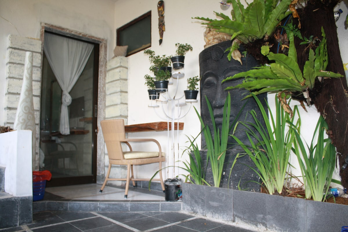 GUSTI HOMESTAY PRIVATE ROOM