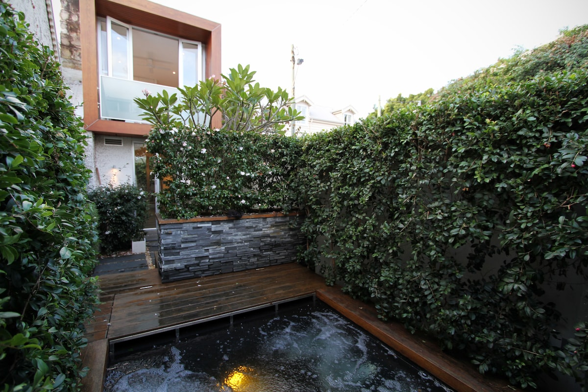 Pirvate spa courtyard