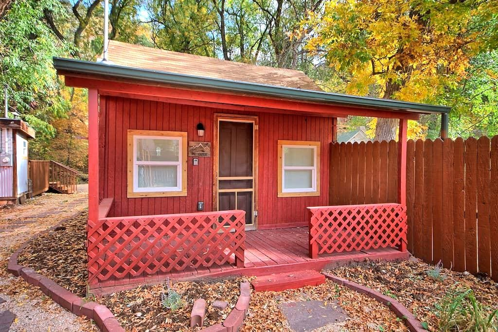 Tiny House n the River in Downtown Manitou Springs - Manitou Springs - Ξυλόσπιτο