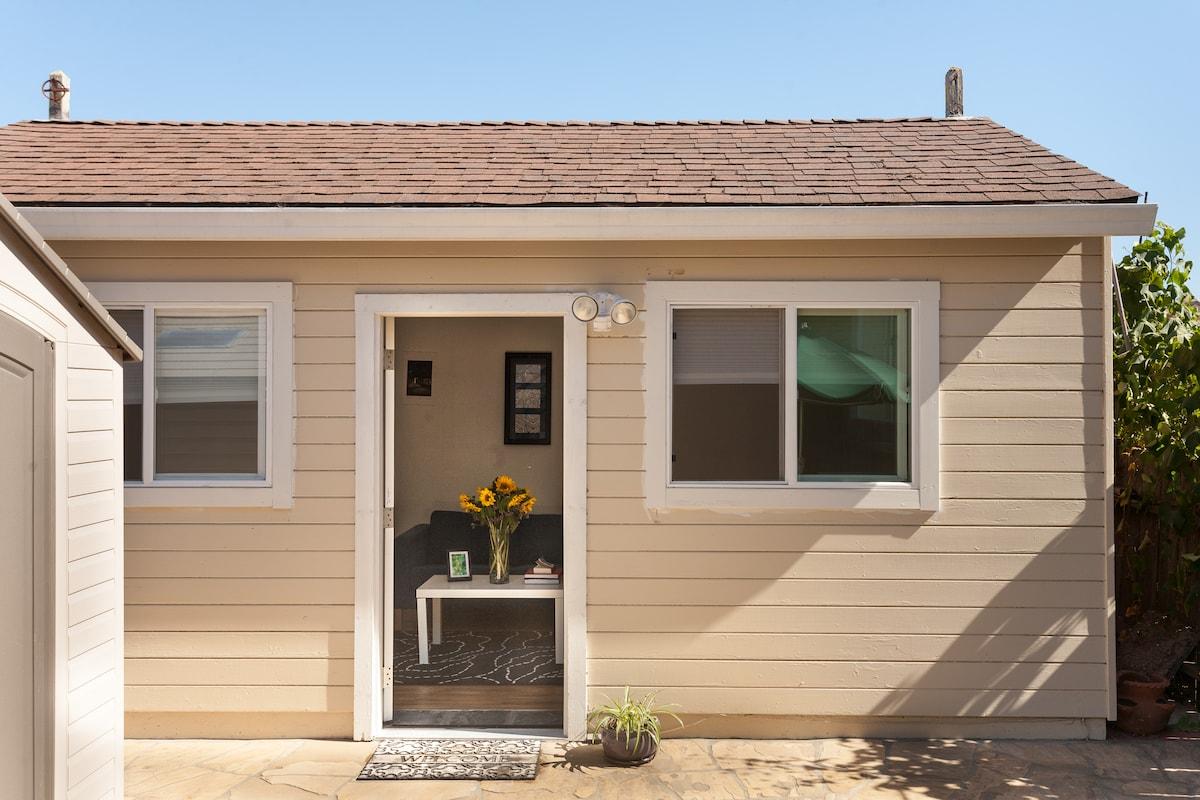 Lovely SF Cottage Apt!