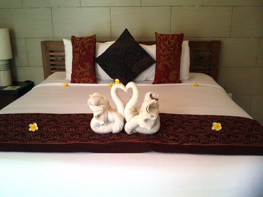 Luxury in heart of Seminyak + Pool