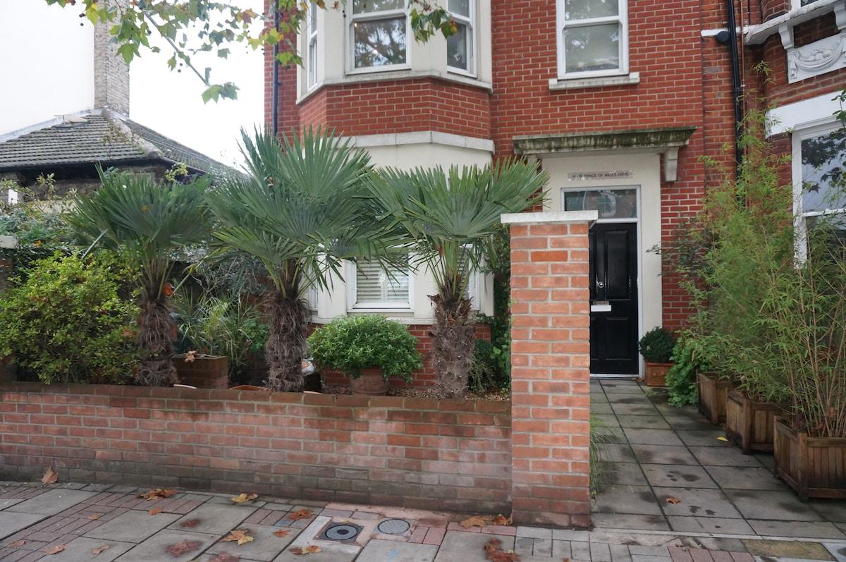 Beautiful Battersea garden flat