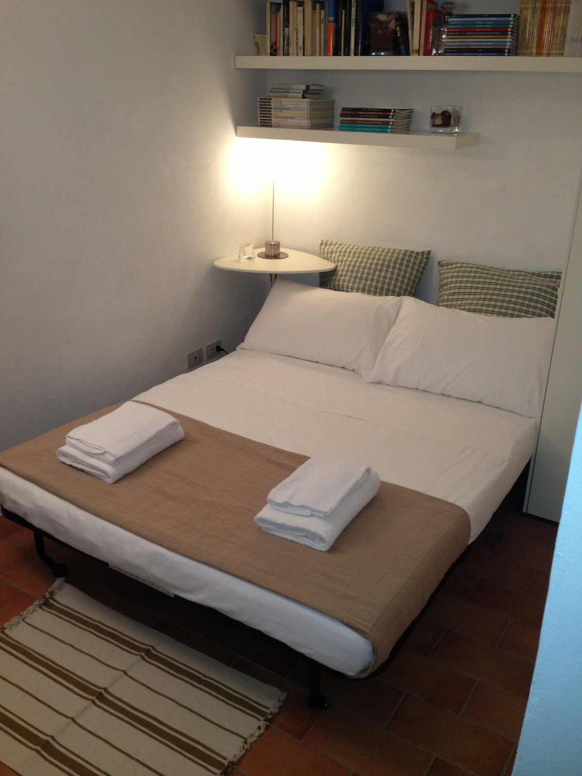 GUEST HOUSE  LITTLE  NAVONA