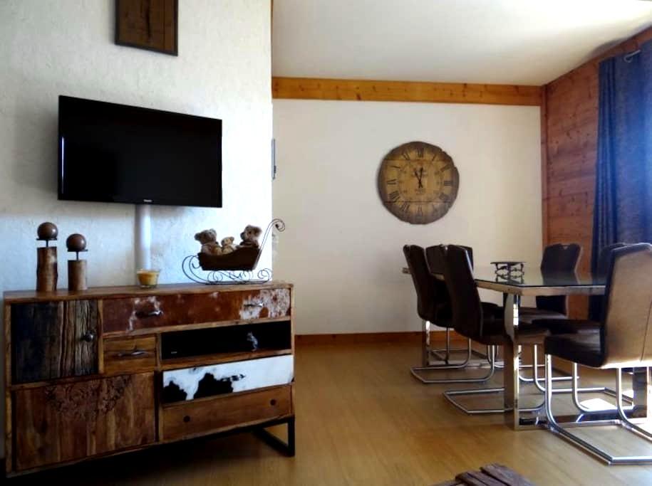 Très bel appartement idéalement situé. - Les Angles - Daire