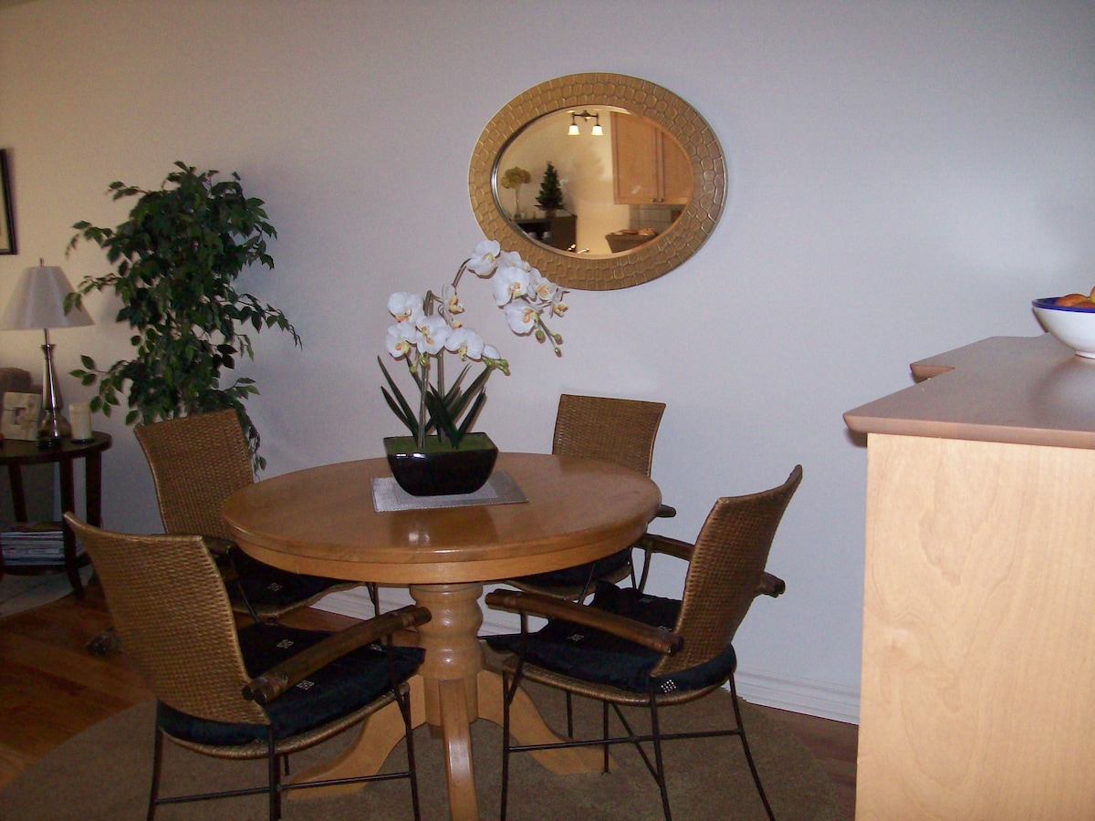 enjoy coffee or tea in the dining area