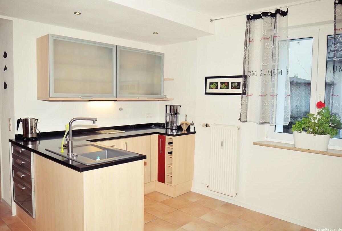 Schöne moderne Ferienwohnung am Kaiserstuhl. - Apartments for Rent ...