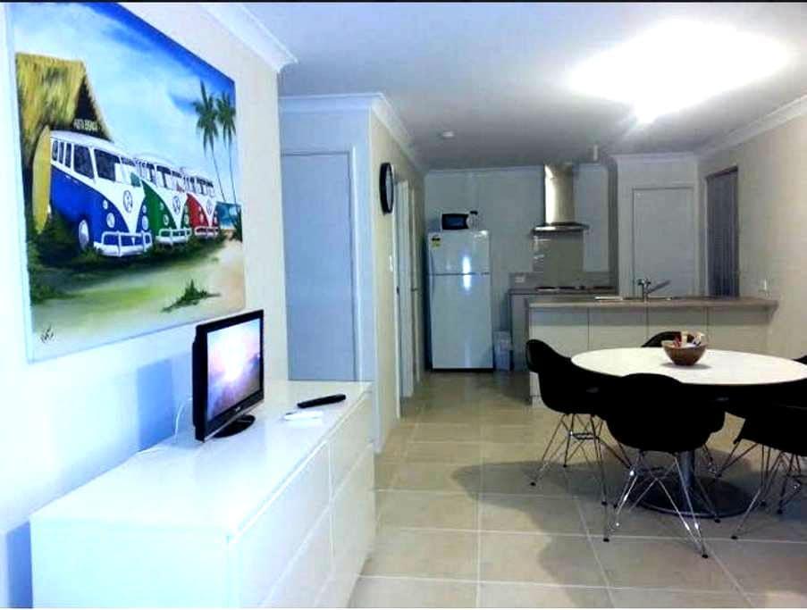3 Bedroom House Perth Metro Padbury - Padbury - Casa