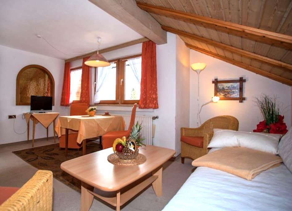 Wohngemütlichkeit und Bergblick - Mittenwald - 公寓