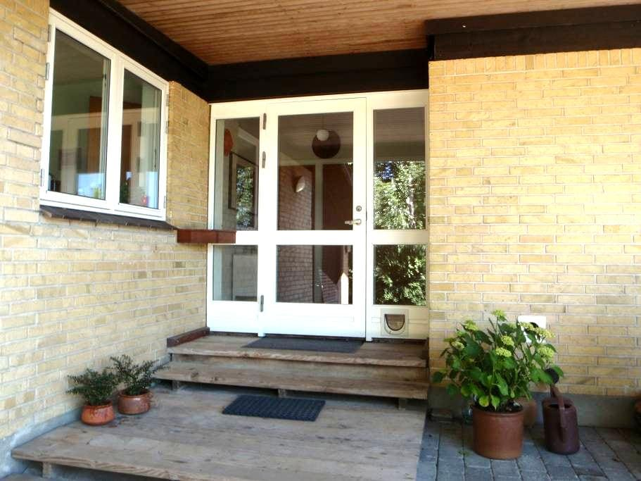 Lovely bright modern house - Hesselager - Casa