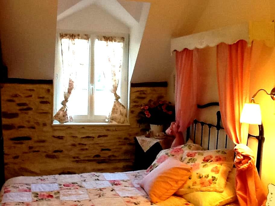 Mont St Michel BnB .. a french life - Pontorson - Bed & Breakfast