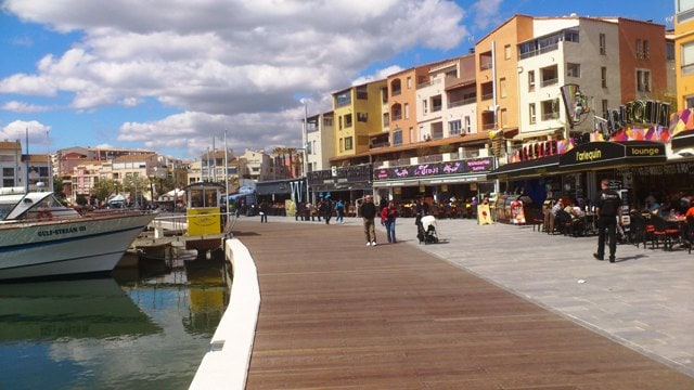 Lovely marina with restaurants and shops