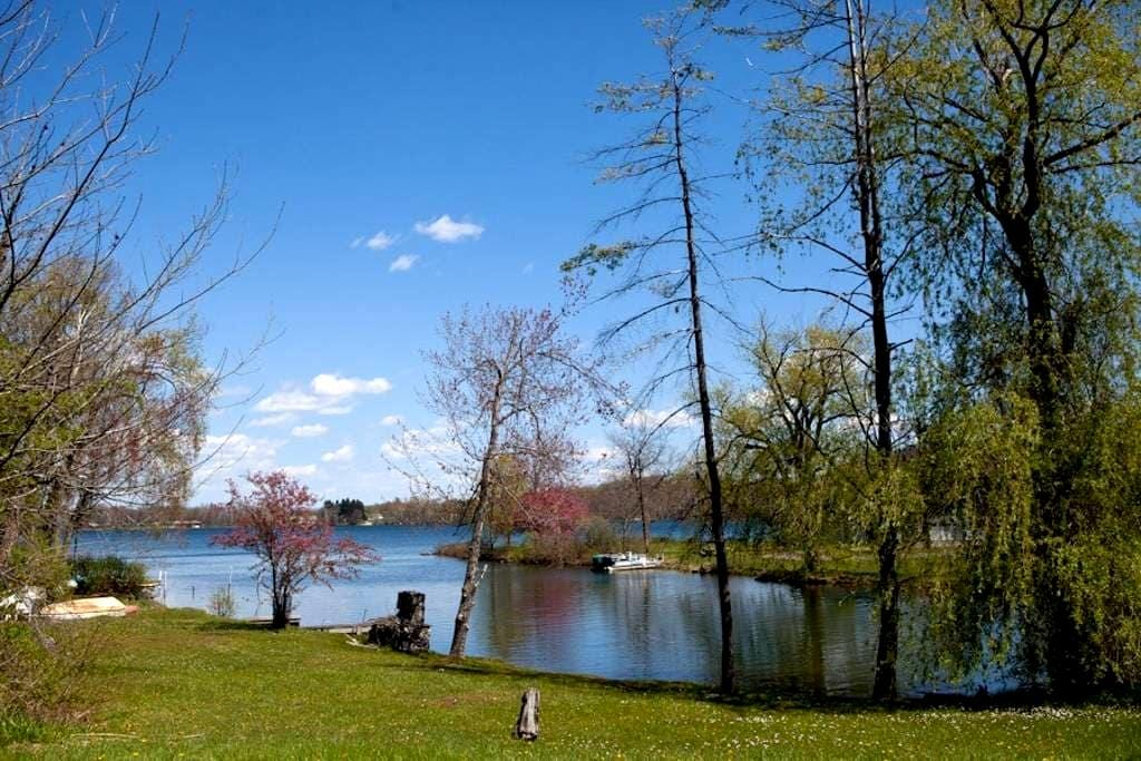 Peaceful Getaway in the Berkshires - Richmond - House