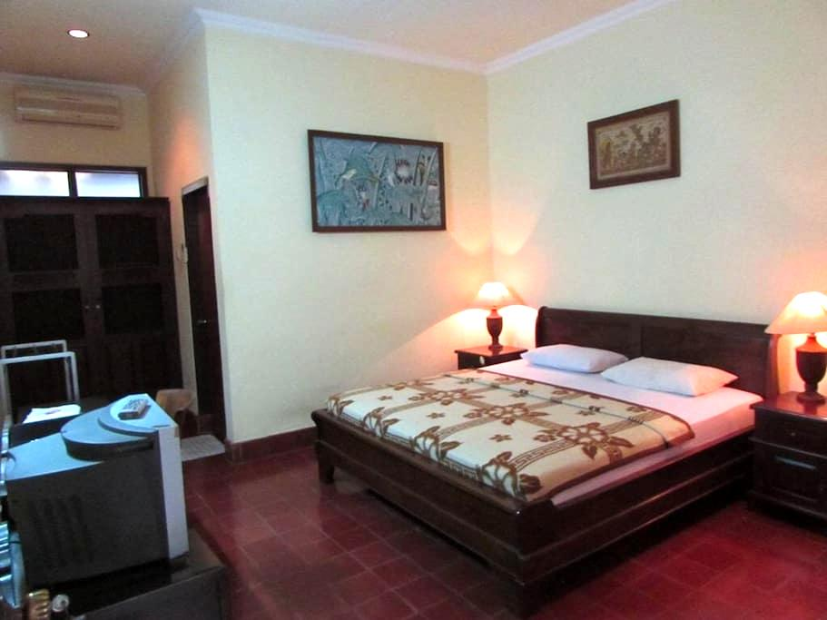 Budget Hotel at Sanur Area - Denpasar - Leilighet