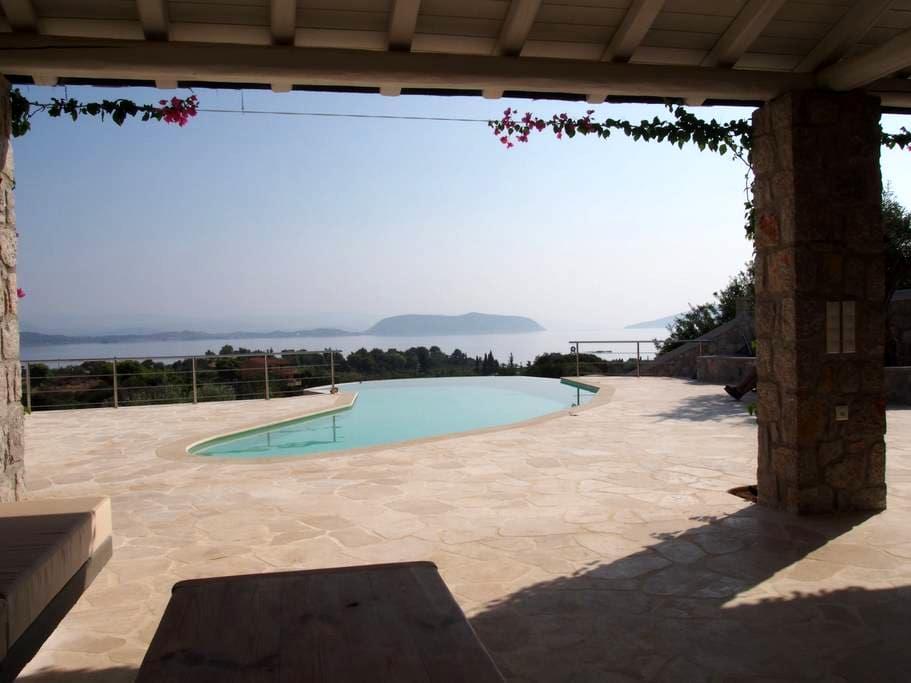 The Spa: Luxury villa, pool, spectacular sea views - Aghios Emilianos