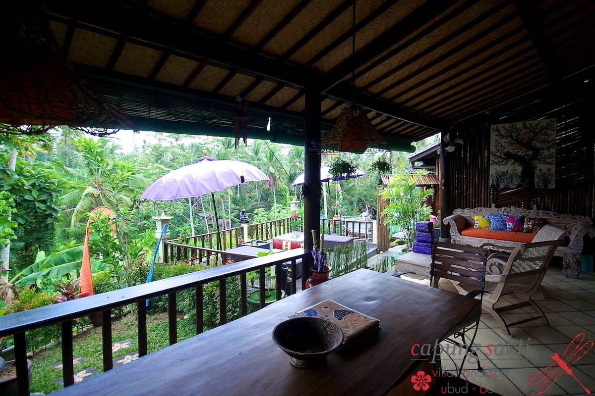 Our private big terrace, with two long chair, enjoy a drink, a juice and help the foundation in te same time.