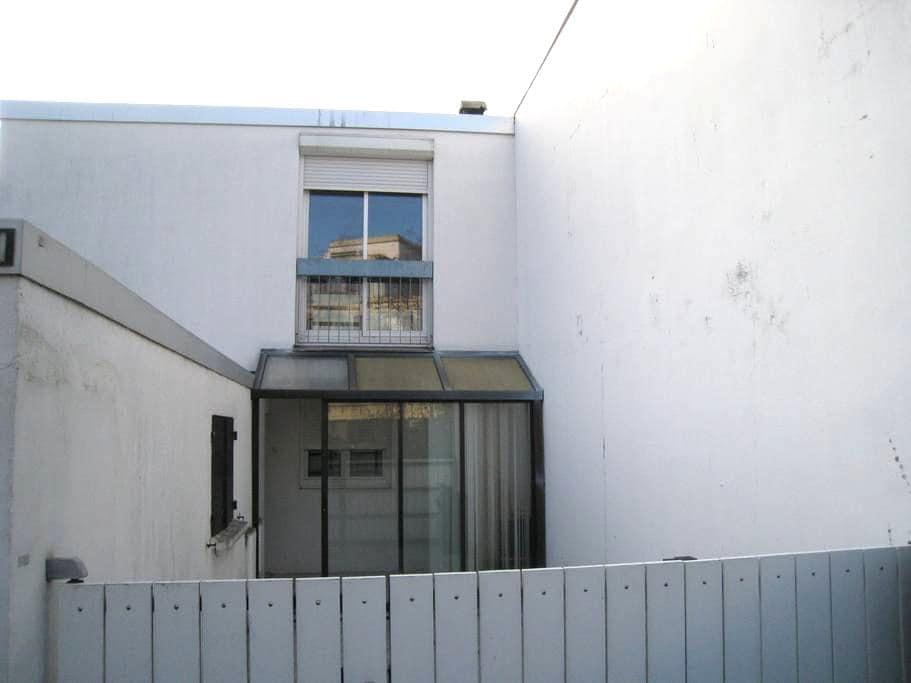 Maison pratique mais en réfection - Pontoise