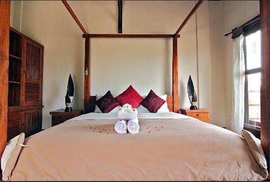 *6* Amazing Rooms, Pool & Location!