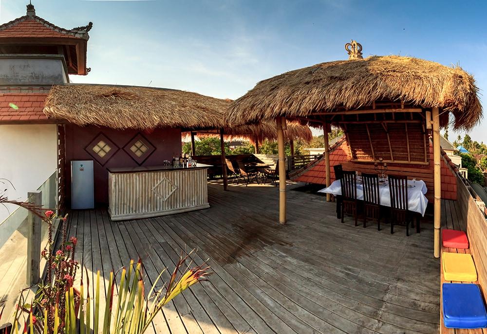 Very Large Rooftop Deck with (2) Gazebo / Bale Bali 3meter x  4meter
