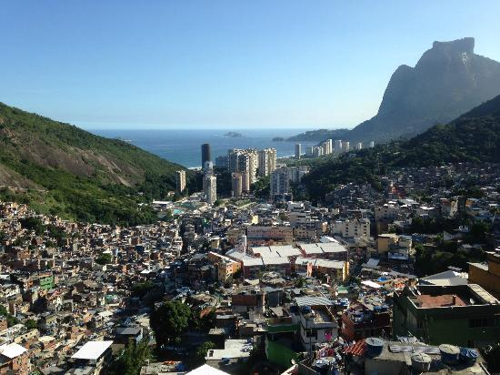 Enitre flat with balcony in Rocinha