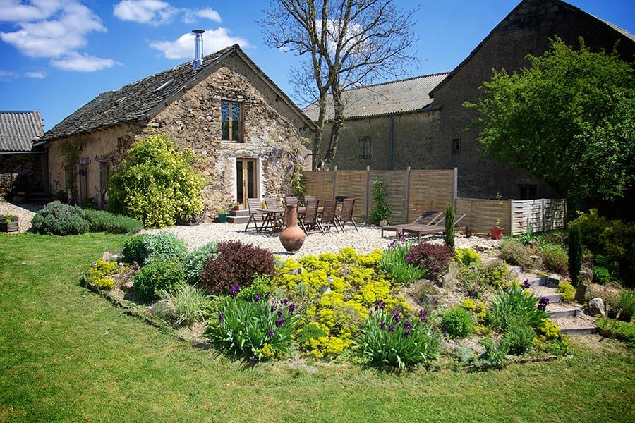 Converted stone barn in hamlet