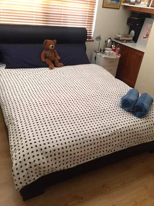 Room in Northern suburbs of Perth - Mindarie