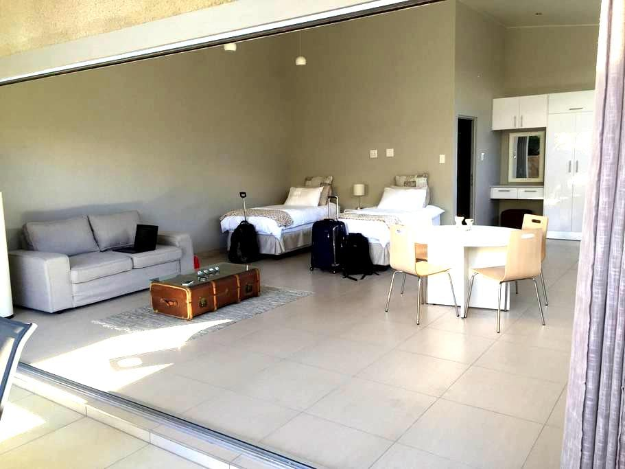 RnB's Self-catering Studio - Windhoek - Apartamento