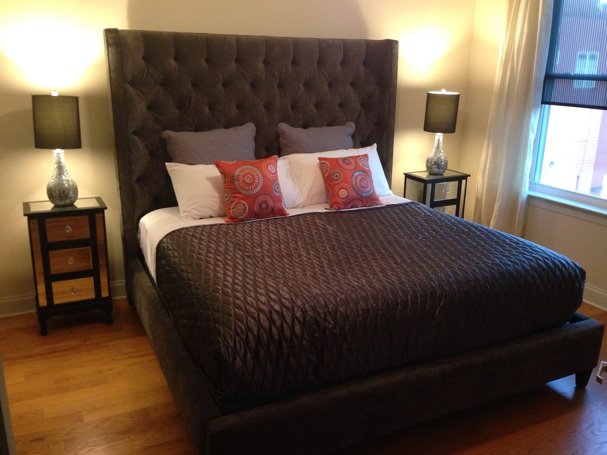 3 blocks t2 Beale, Suite w/KING bed