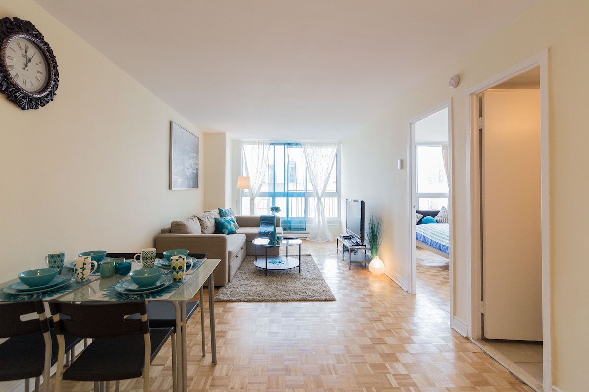 The Turquoise flat in Downtown