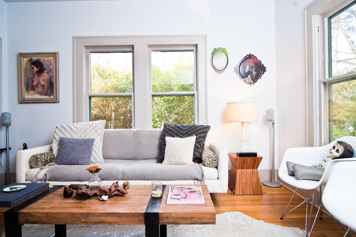 Beautiful Bouldin Cottage - 78704
