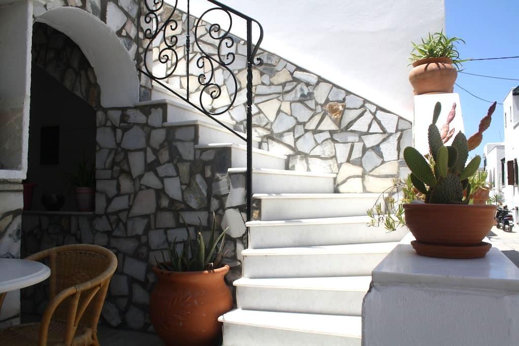 Pasas studios  -  Τhe Aphrodite's Palace - Naxos