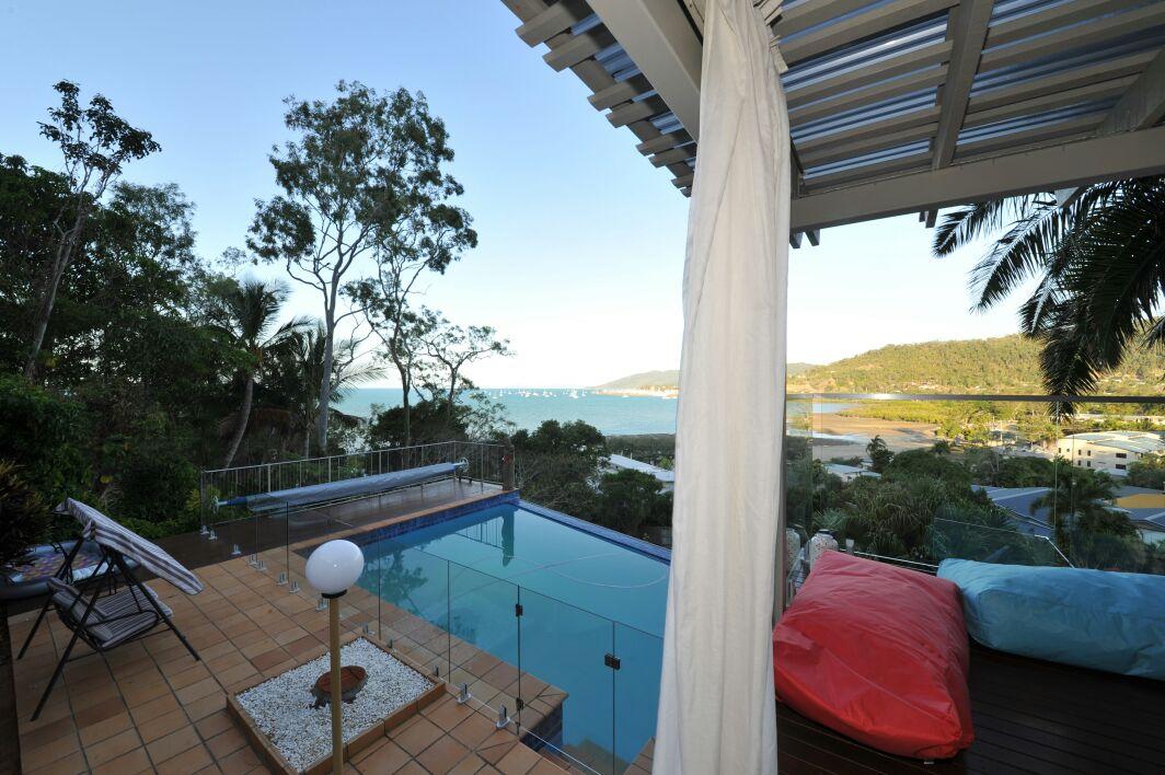Luxury seaviews pool n tranquility