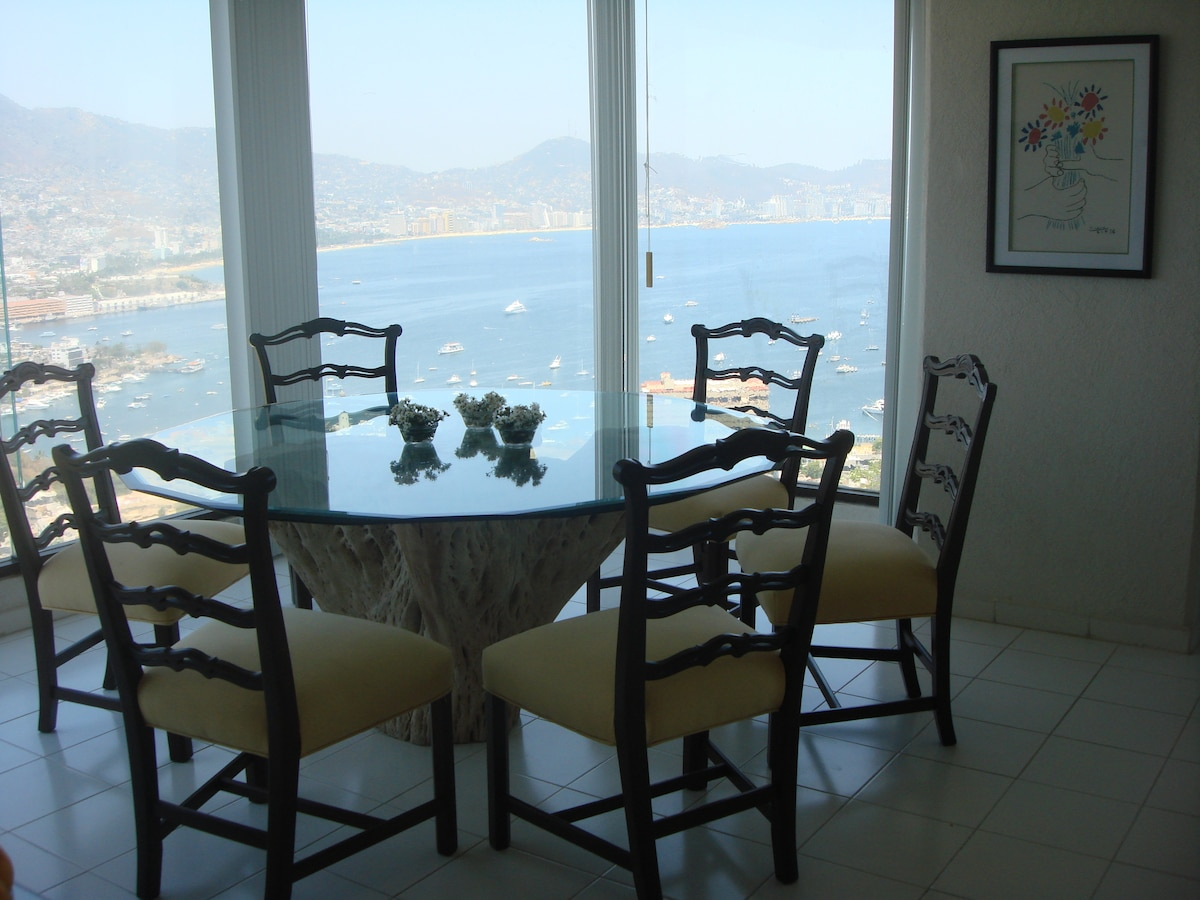 Best View Acapulco Modern Apartment