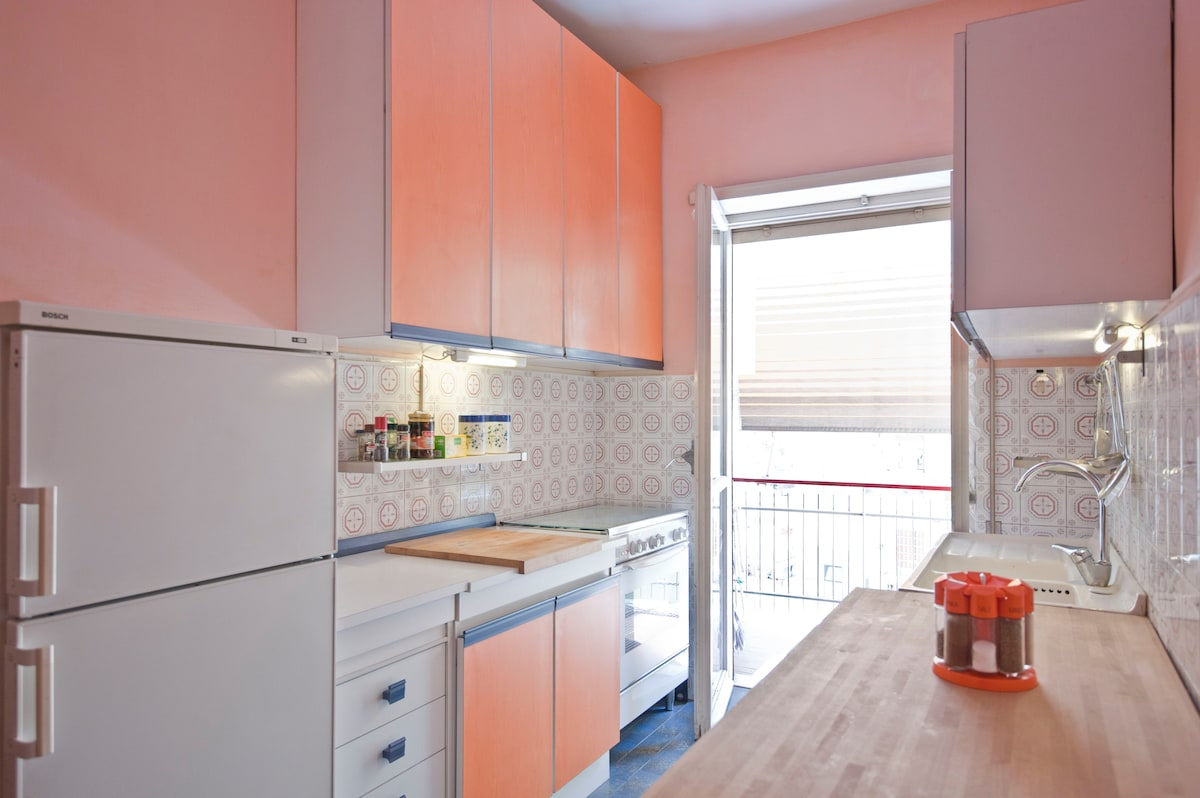 A well equiped kitchen where you can prepare your meal